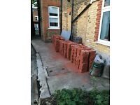 1 pallet (550) bricks, high quality single faced