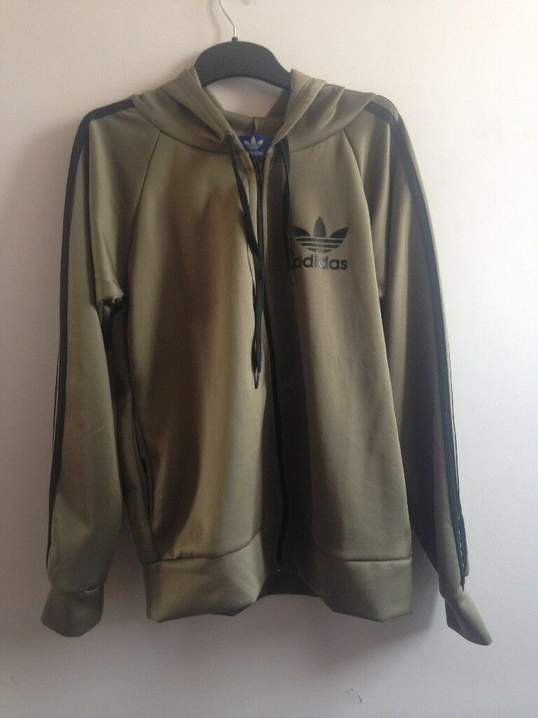 Army Green Women s Adidas Tracksuit Uk Size LARGE  7fc4d91f98