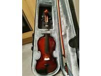 3/4 violin mint condition includes case