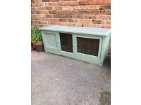 Guinea pig/ rabbit hutch