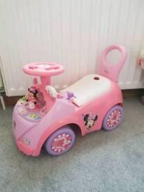 Kids pull along car