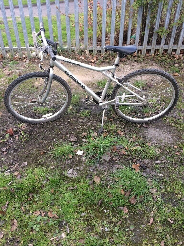 Daewoo Bicycle Alu 3000 rangein Coventry, West Midlands - Daewoo Bicycle Alu 3000 range Mountain Bike type? 21 gears All working fine with side stand Good working order Very good condition £75.00 contact 07976285720