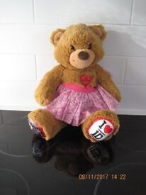 OFFICIAL BUILD A BEAR TEDDY +dress BEAUTIFUL CONDITION Great 4 gift features ONE DIRECTION +FREE toy