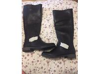 New women's boots size 8