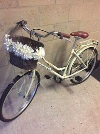 Women's vintage style bike
