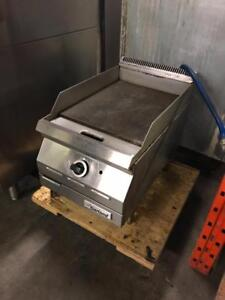 Special 15 garland gas griddle for only $795 ( like new )