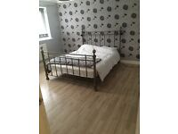 2 rooms available to rent out in 5 bedroom house