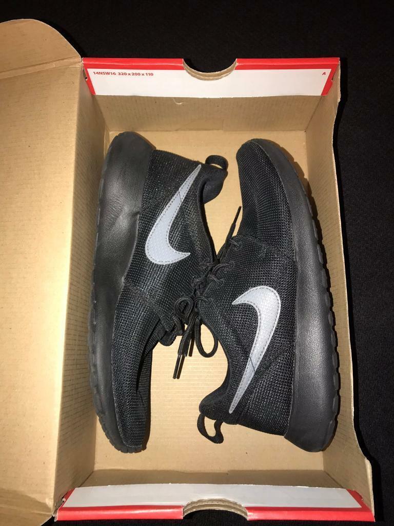 ca996423e3db Nike Roshe One