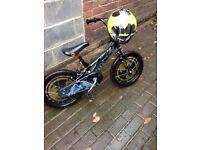 Boys batman bike and matching helmet