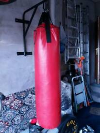 4ft Punch-Bag with wall bracket