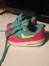 Nike toddlers trainers