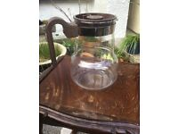 Vintage retro Pyrex coffee jug with lid.