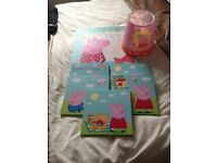 Peppa pig light shade and 6 canvasses