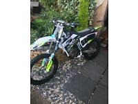Husqvarna fc250 (MINT) (READ ADD)
