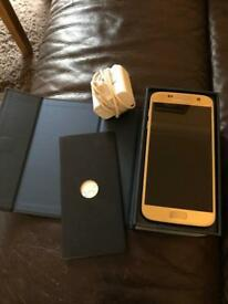 *Like New* Samsung S7 Gold 32GB Boxed