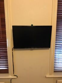 20 inch Tv and box with all turkish channels