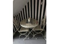 Gorgeous vintage style table and chairs