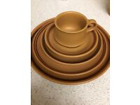 red clay dinning set of 36 pieces
