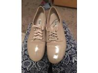 Almost new Clarks women shoes size 6