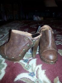 new with tags brown leather shoes