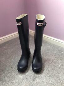 ladies Hunter wellies. Purple. Size 3. Excellent condition. £35