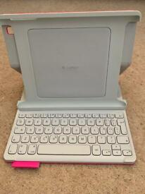 LOGITECH KEYBOARD FOLIO - EXCELLENT CONDITION/ Only Used a handful of times