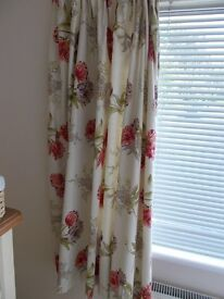2 Pairs of Curtains Fully Lined Stunning!