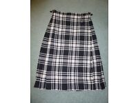 Vintage Ladies Pure New Wool Ben Nevis Kilt with pin