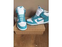 Brand new Mens Nike high tops never been worn size 10