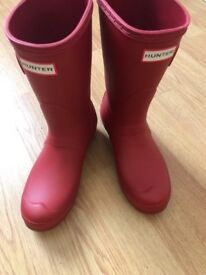Red hunter wellies size 4