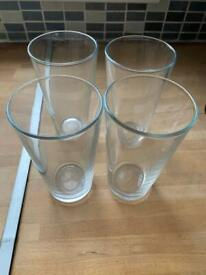 Pint glasses x 4