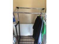 Double clothes rail with wheels