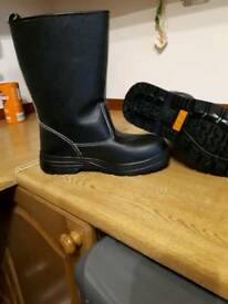 Rigger boots size 6.5