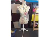 Beige flowered tailors dummy from Febland