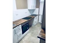 Choice of 5 luxury bedsits with own bathroom to rent in Church avenue LE3
