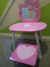 Kids hello kitty table and chair