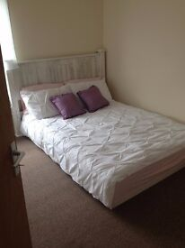 2x Luxury Double Rooms. (ALL FEMALE house share). Old Town Bexhill. Move in same day!