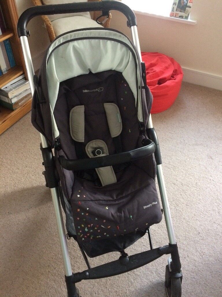 Babe'Confort stroller with matching car seat almost brand new hardly been used