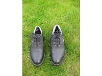 Ladies golf shoes size 7-no box but as new