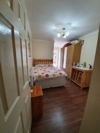 SPACIOUS AND NICE STUDIO FLAT(INCLUSIVE ALL BILLS) IN SLOUGH IS AVAILABLE NOW.