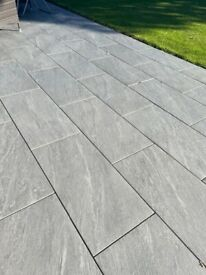 Anthracite- Wals Porcelain outdoor tiles