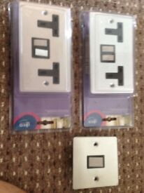 2 double sockets 13amp double switched sockets and light switch