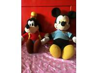 Vintage mickey mouse pull cord with goofy