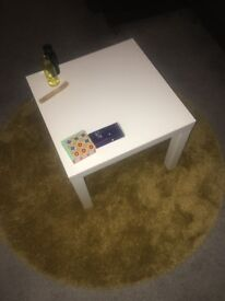 Coffe table and rug