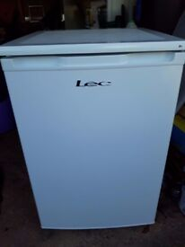 LEC UNDERCOUNTER FRIDGE with FREEZER COMPARTMENT