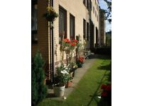 Ground Floor 2 Bedroom Flat available immediately for short term lease close to Glasgow City Centre