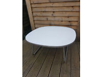 Coffee Table (white) with metal legs. £10 ono. Collection only (N12)