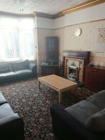3 bed furnished Flat in desirable location
