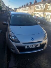 2012 silver renault cleo with inbuilt tom tom and blue tooth.