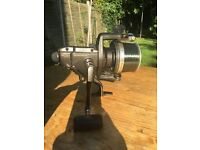 2 x Shimano big baitrunner long cast reels